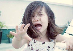 Tuyệt chiêu để bé đi nhà trẻ không khóc nhè