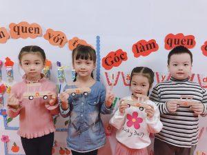 Cùng làm Ô tô bằng que kem với các bạn nhỏ lớp Vành Khuyên – BiBi 2 Tân Mai